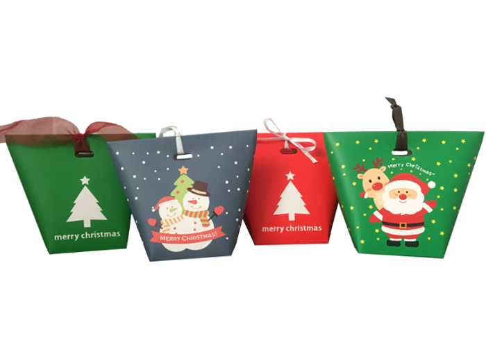 Pictures of christmas gift boxes